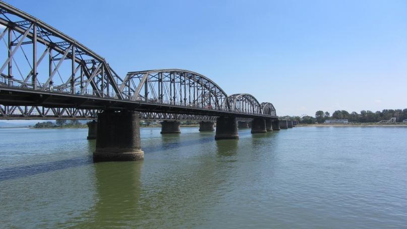 Friendship bridge from Dandong to Sinŭiju