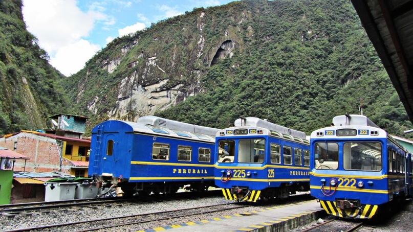 Peru rail Aguas Calientes