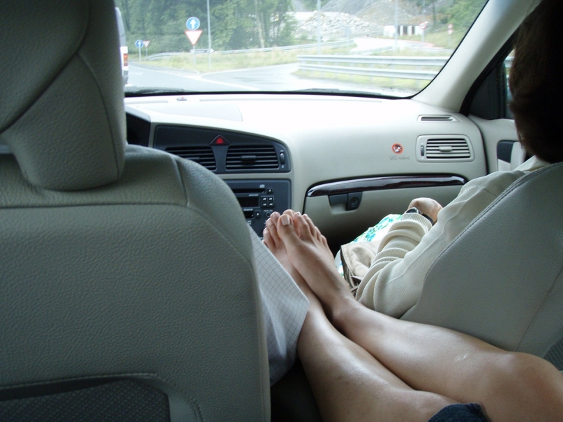 Hitchhiker feet