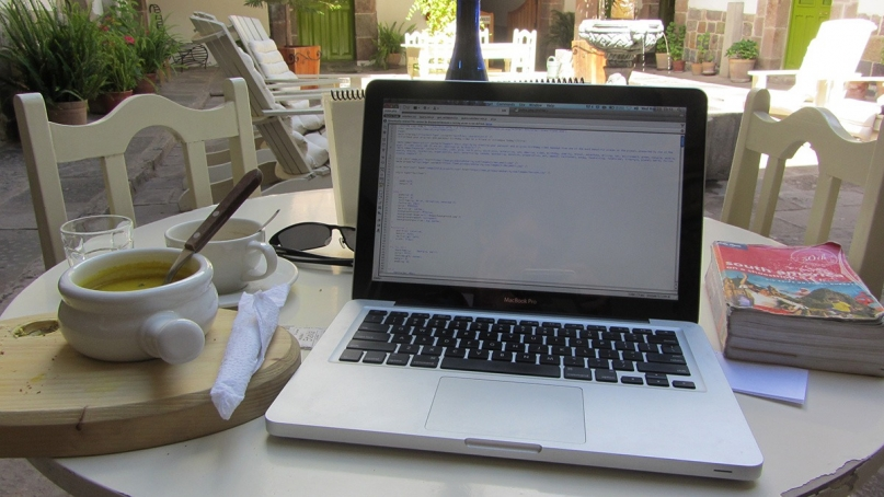 Digital Nomad Macbook