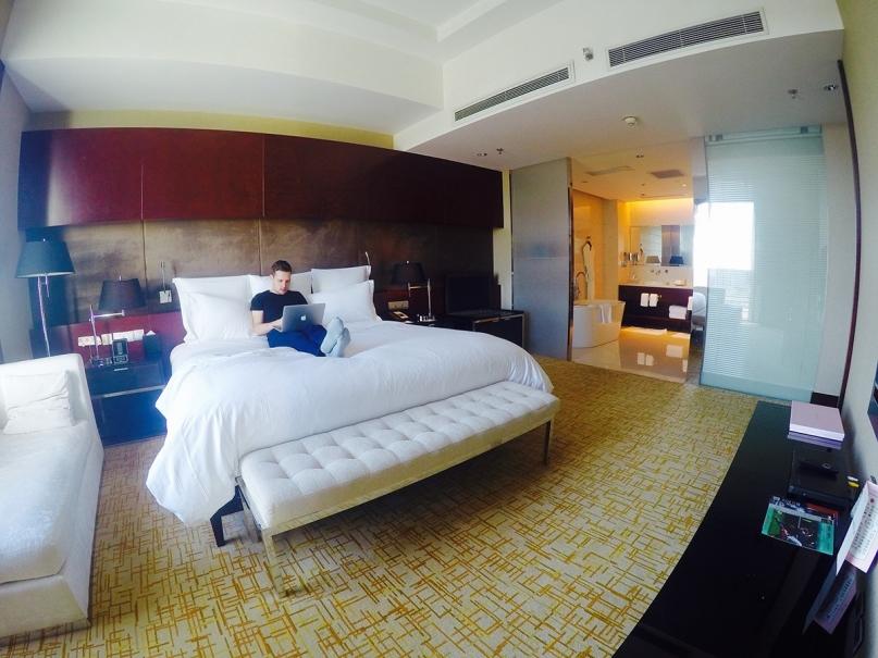 Josh hotel digital nomad