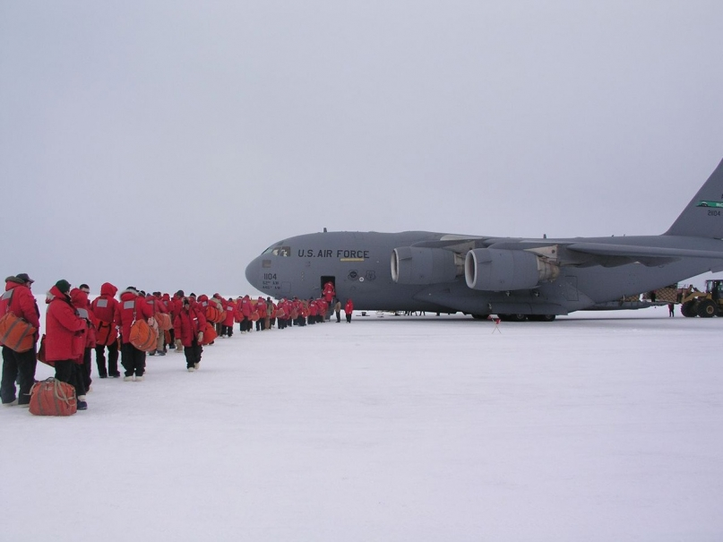 US Air Force plane Antarctica
