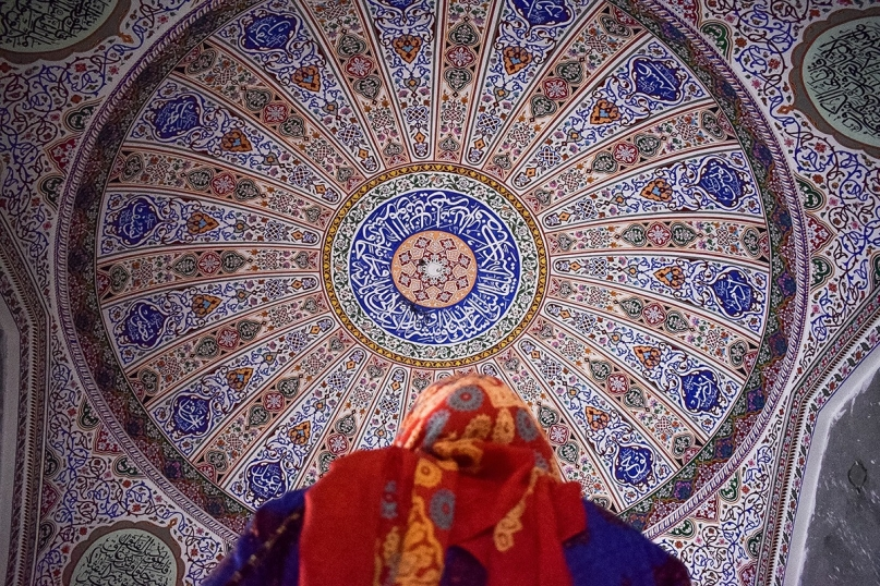 painted ceiling mosque Pakistan