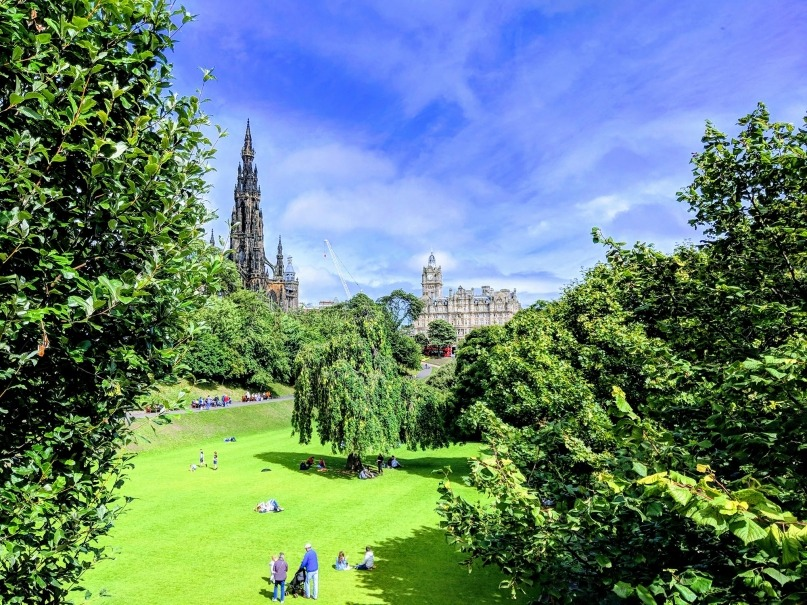 Edinburgh view through Princess St Gardens
