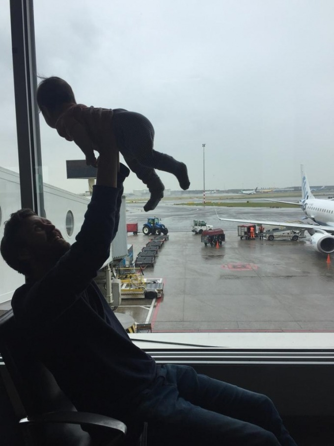 baby in airport