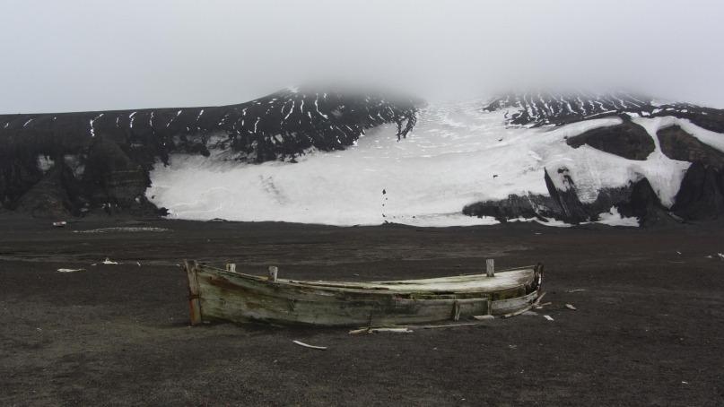 stranded boat antarctica
